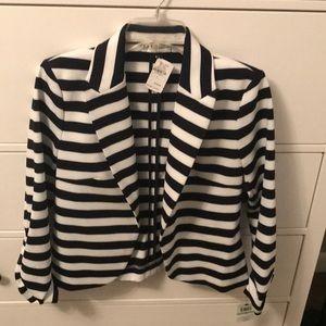 Striped three quarter sleeved blazer